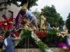 13. Manila-V času procesije »La naval de Manila« se na ulicah mesta pojavi na desetine Marijinih podob.jpg