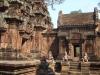 12. Angkor - večno varovanje 'ženskega' templja mitoloških vojakov opičjega generala Hanumana