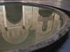 Odsev medrese Bou Inania v dvoriščnem vodnjaku - Fez.