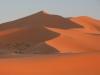 Sipine Erg Chebija ob sončnem zahodu.