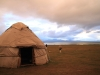 svilena-cesta-kirgizija-kirgiski-nomadi-in-visinsko-jezero-song-kul