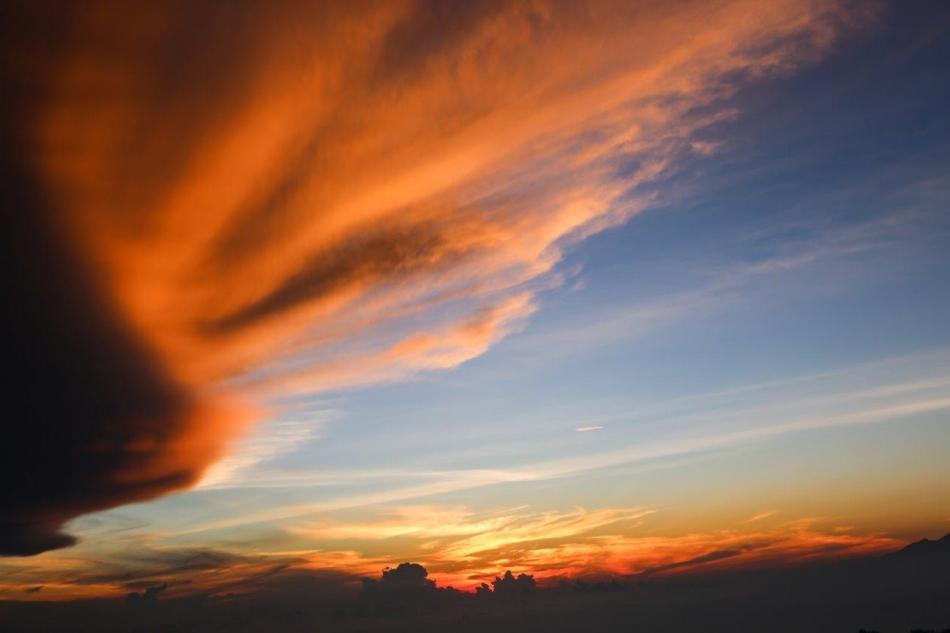 Batur-tik ped sončnim vzhodom