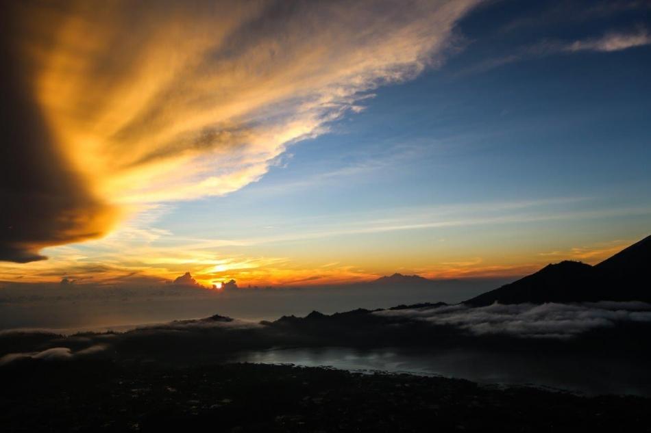Batur-prvi žarki, dobro jutro Bali