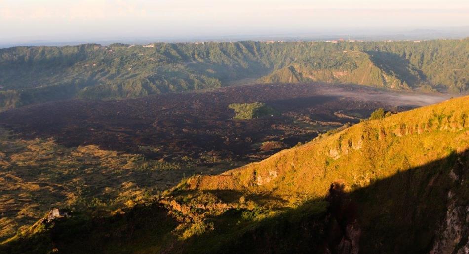 Batur-pogledi v vzhoajajoč jutri