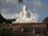 MIHINITALE - 300 let po Budi je misijonar iz Indije zagnal kolo budističnega učenja na otoku.