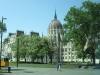 1-Budimpešta-pogled na Parlament.jpg