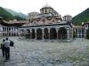 30-Samostan Rila, notranje dvorišče.jpg