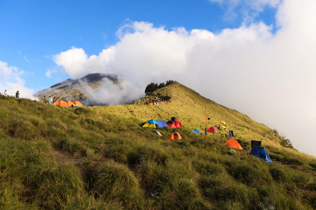 05-Vulkan Rinjani-tabor 1 na grebenu