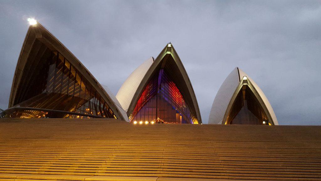 7. Noro lepi pogledi na opero so zvečer