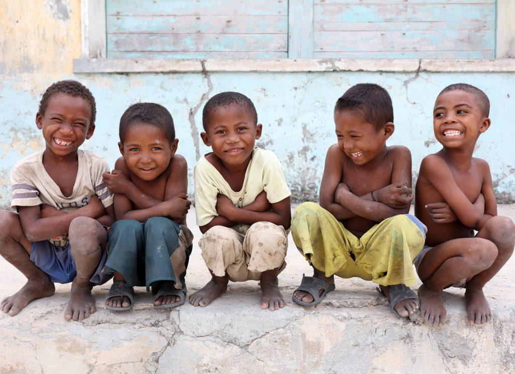 happy children 550x400 1 1024x745 - Zakaj potujemo?