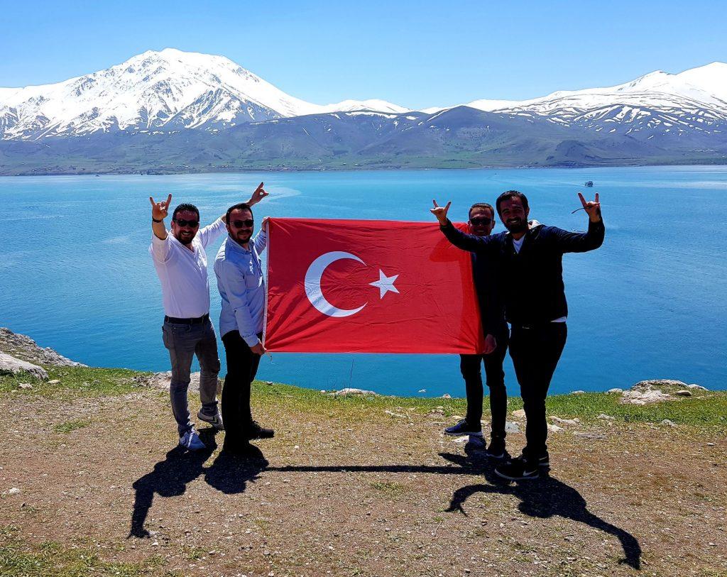 01-vzhodna Turčija-jezero Van-modri biser med belimi gorami