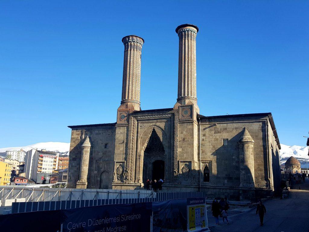 Vzhodna Turčija-Erzurum-izjemna osrednjeazijska arhitektura