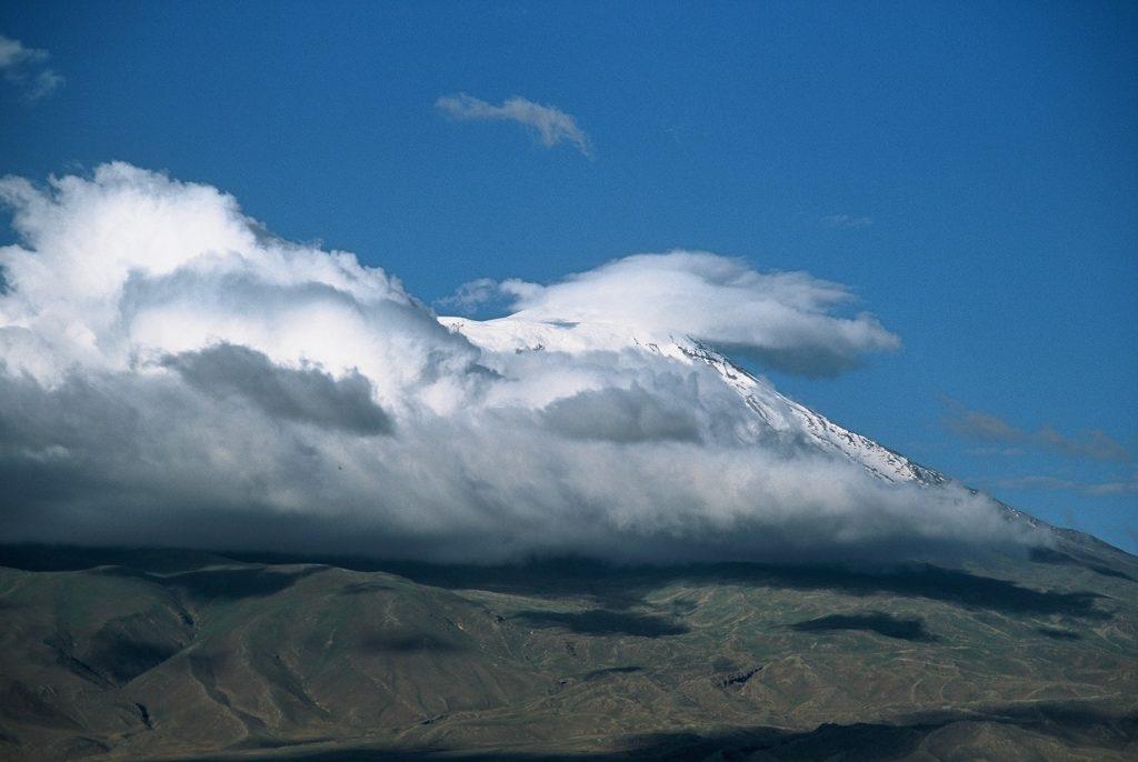 13-vzhodna Turčija-Ararat-mogočni varuh visoko nad nami nam govori zgodbo o ljubezni