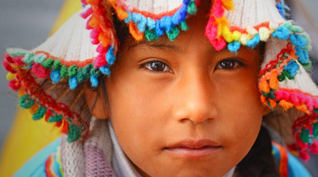 Peru-Uros-deklica