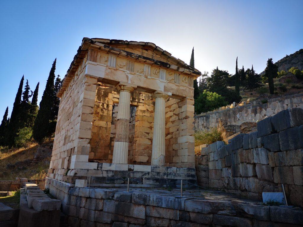 Grcija Delfi 1024x768 - Vtisi potnikov poletnih potovanj