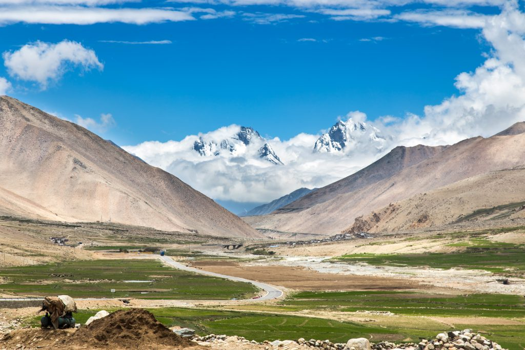 Tibet Nyalam 1024x683 - Vtisi potnikov poletnih potovanj