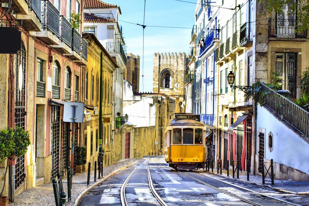 Lizbona tramvaj17 1024x683 - Vtisi potnikov z oktobrskih potovanj - 2. del