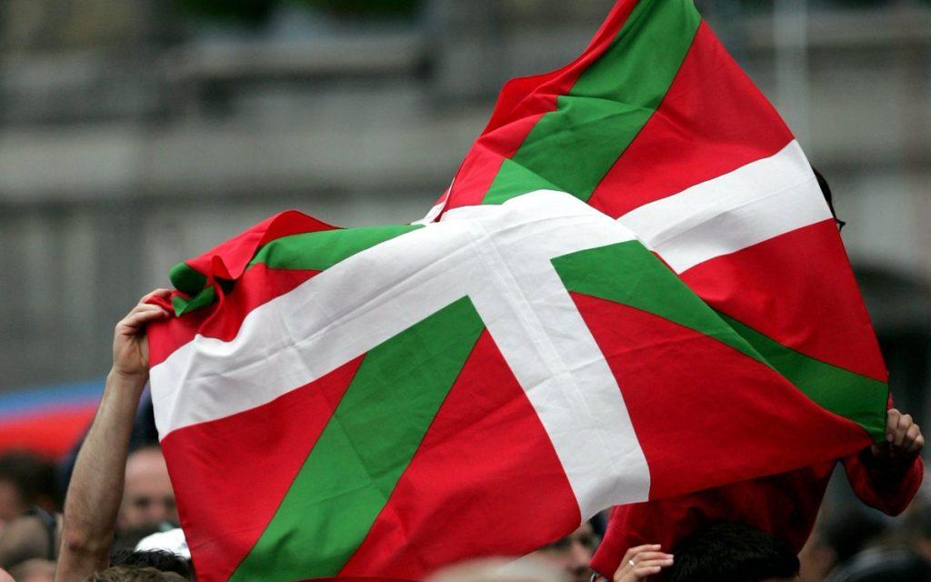 Baskija zastava 1024x640 - Med Andaluzijo in Baskijo