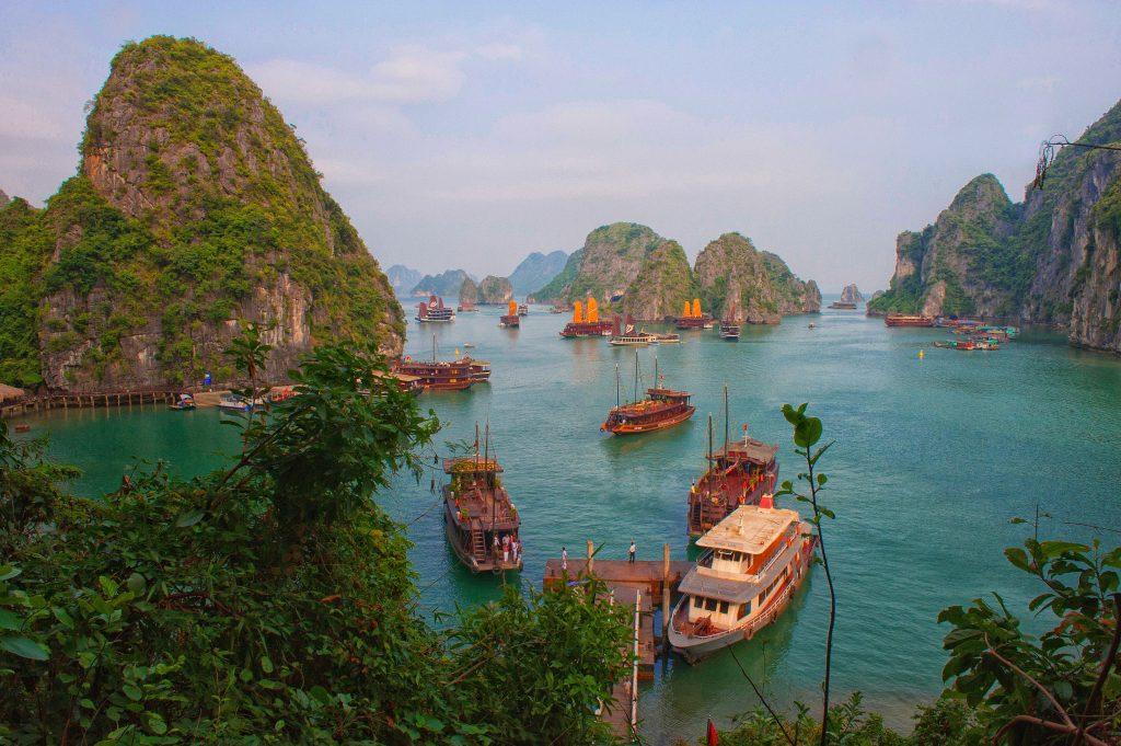 Vietnam Halong bay 03 1024x681 - Vtisi potnikov (januar, februar)