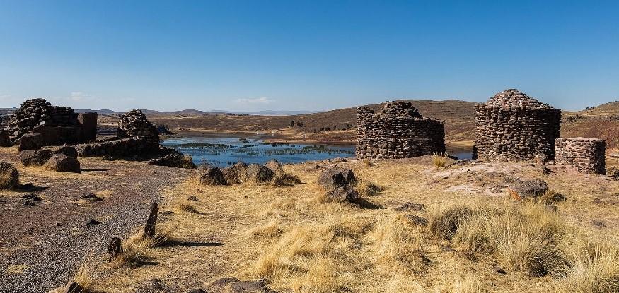 28 Chullpa iz časa Tiwanaku - Peru - Med potomci Inkov