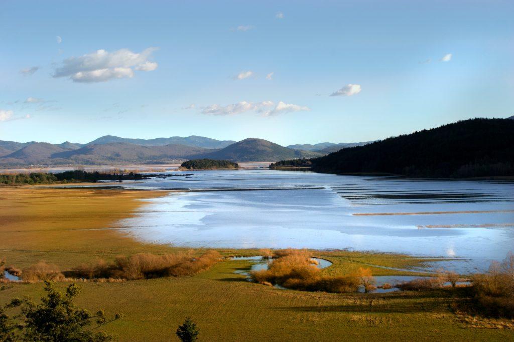 Slovenija cerknisko jezero 1024x683 - V deželi medveda za TURISTIČNE BONE (Loški Potok in Notranjski Kras)