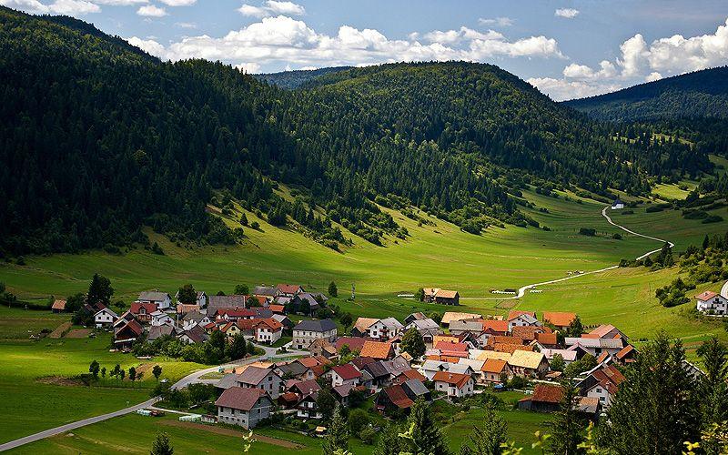 loski potok notranjska.com - V deželi medveda za TURISTIČNE BONE (Loški Potok in Notranjski Kras)
