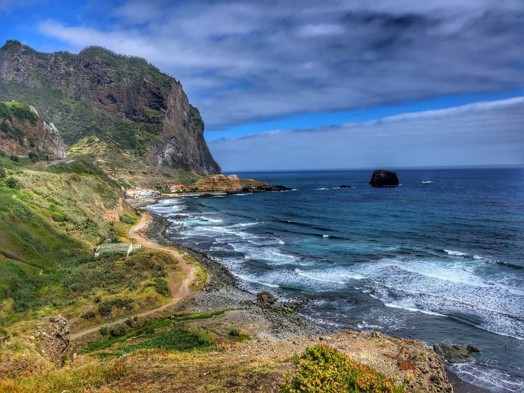 Madeira pogled na Porto da Cruz 1024x768 - Septembrski vtisi potnikov