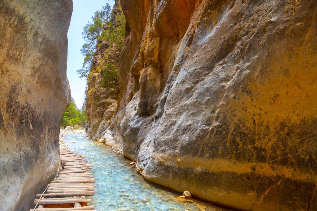 Passage of famous Samaria Gorge shutterstock 1437240239 1024x682 - Septembrski vtisi potnikov
