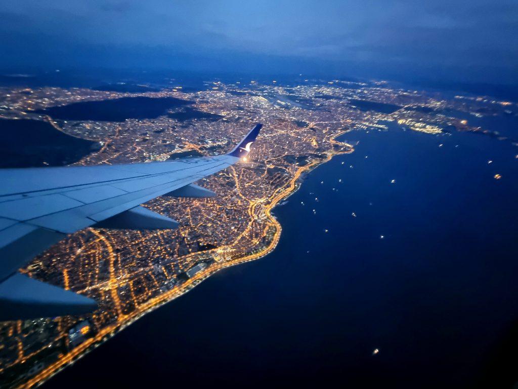 001 Z letalom iz Istanbula v neznano 1024x768 - Kako smo bika zgrabili za roge?
