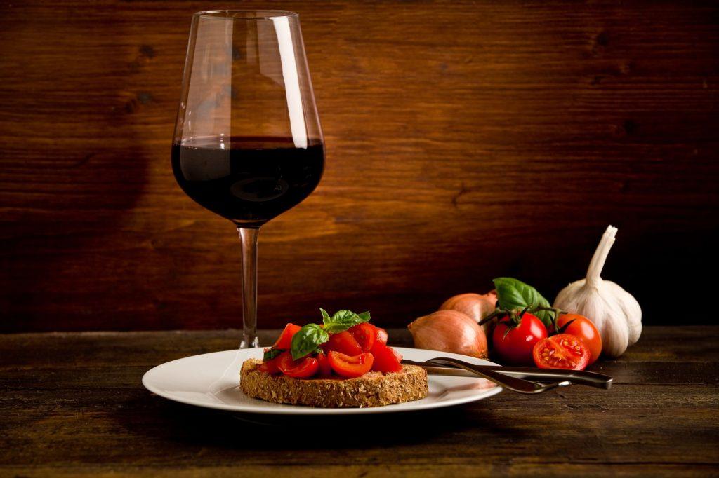 08 Sicilija – brusketa in vino 1024x682 - Oskarjevci PRVI turisti na Siciliji!