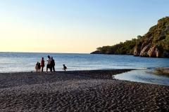 Turčija-Olimpos-najlepša pristna plaža v zgodnjem jutru