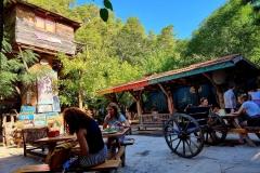 Turčija-Olimpos-po jutranjem kopanju zajtrk pri Kadirju