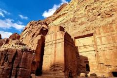 Jordanija - Petra - veličastne grobnice na vsakem koraku