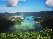Azori- modro in zeleno jezero Sete Cidades