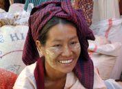 Burma-simpatična Burmanka