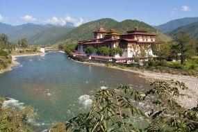 Butan-budisticni-samostan-Punakha