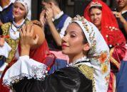 Ciprska folklorna plesalka
