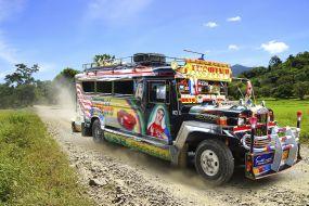 Filipini - Jeepney prevozno sredstvo