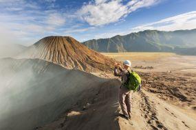 Indonezija-Bromo, hoja po robu vulkanskih kraterjev