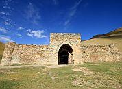 Kirgizija -Tash Rabat, stari karavanseraj
