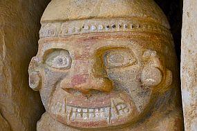 Kolumbija – San Avgustin – kip