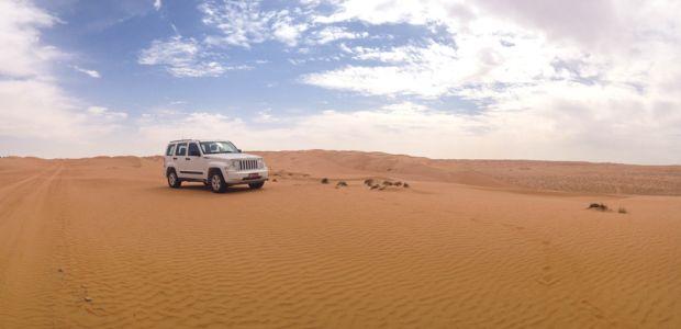 Oman-džip v puščavi
