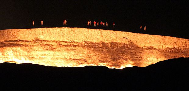 Darvaza ponoči - Turkmenistan