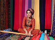 Prodajalka svile - Turkmenistan