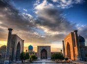 Uzbekistan -  Registan je bilo  srce starodavnega Samarkanda in eno glavnih postaj na Svileni cesti