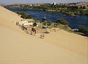 Egipt- vzpon na sipine s pogledom na Nil