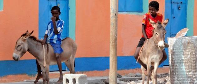 Eritreja-izgubljeni svet-dečka na konju