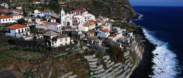 Madeira - Portugalska - Mesto na klifu