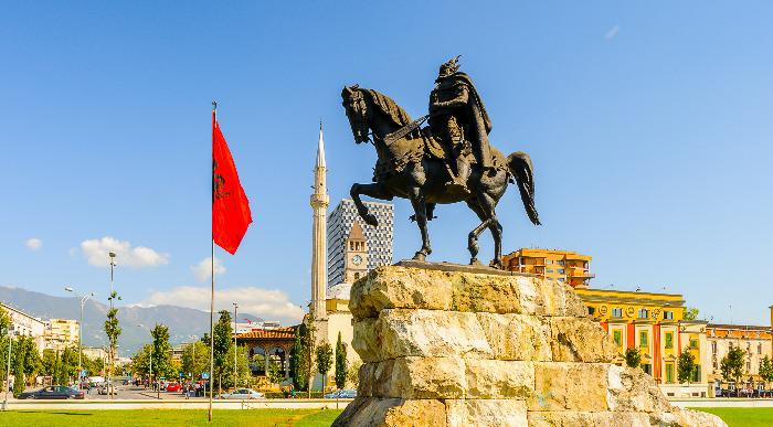 Albanija-Tirana-Skenderbeg - Kopija