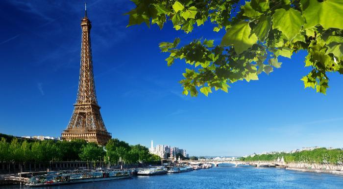Francija-Pariz-Eifflov stolp_120287821